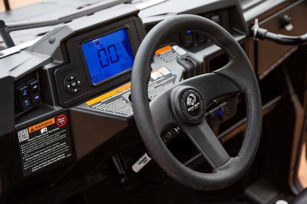 2016.bad-boy-buggy.stampede900-4x4.close-up.steering-wheel
