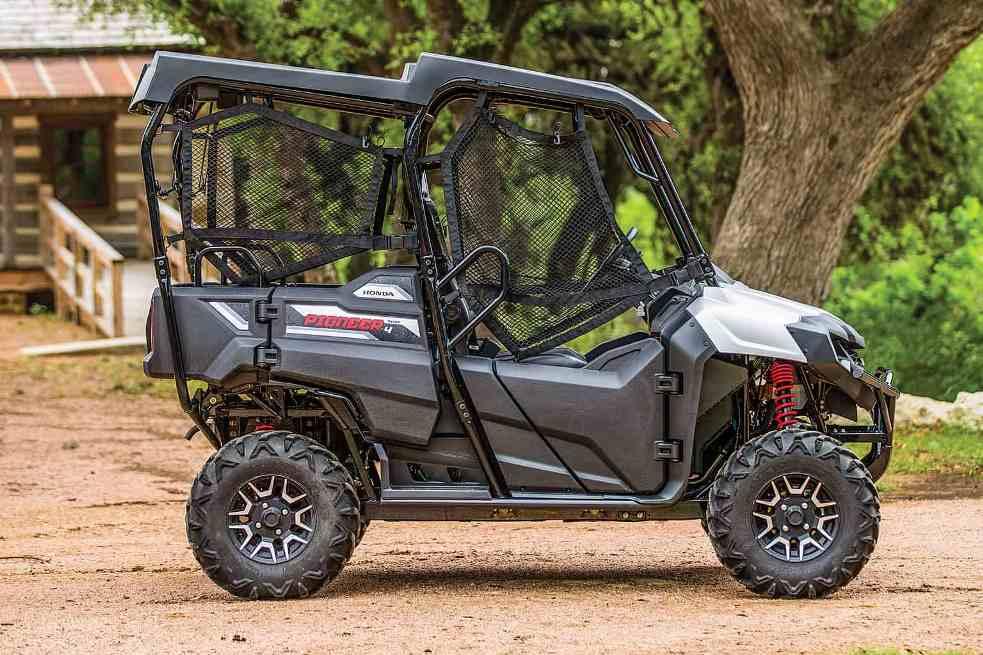Honda Pioneer 700-4 версии Deluxe-09