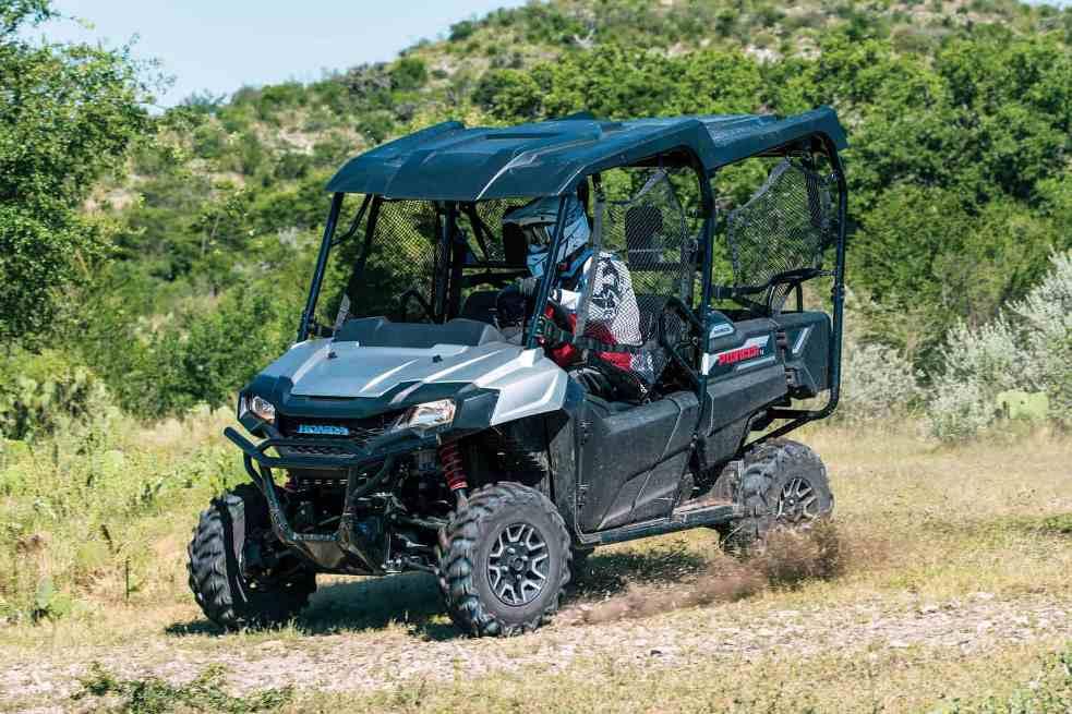 Honda Pioneer 700-4 версии Deluxe-10