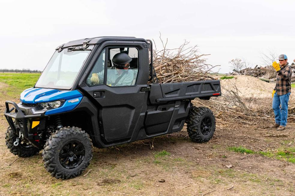 bg-can-am_defender_pro_limited-001