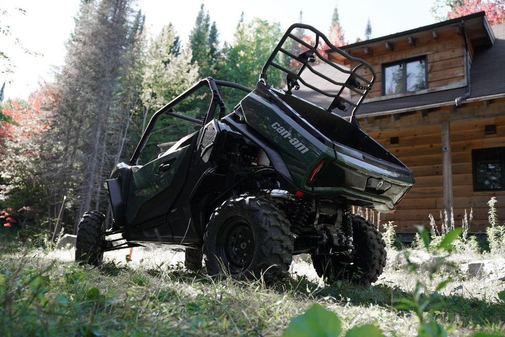 can-am_off-road-side-by-side-vehicle-commander-dps_pac_my21_sgf02703